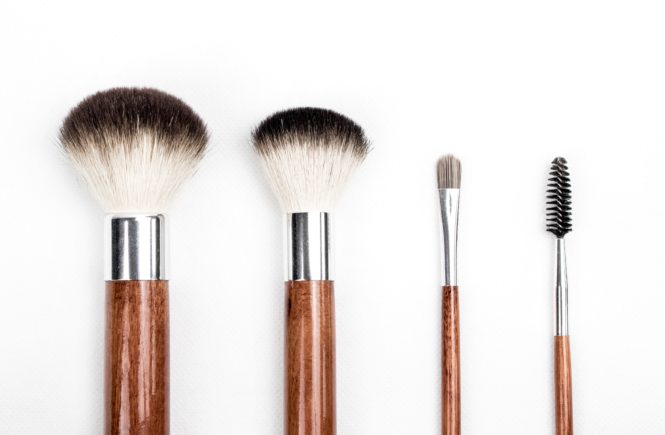 Vegan beauty brushes and Cruelty Free Makeup Brushes. Brushes with no animal products or no animal testing.